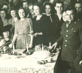 Decatur ladies entertaining soldiers